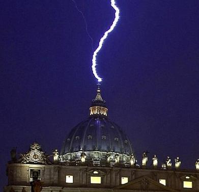 Lightning Strikes Vatican: A Geo-Synchronicity?